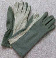 Rakouské nomexové rukavice pro piloty