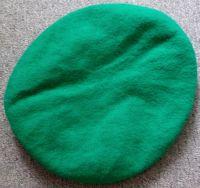 Světle zelený baret oboustranný