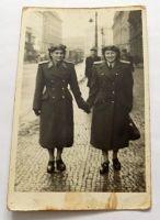 Foto ženy v uniformě 1953