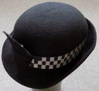 Britský policejní klobouček pro ženy